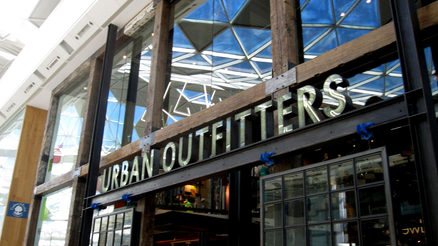 Artisan image solutions urban outfitters for Interno 5 urban store